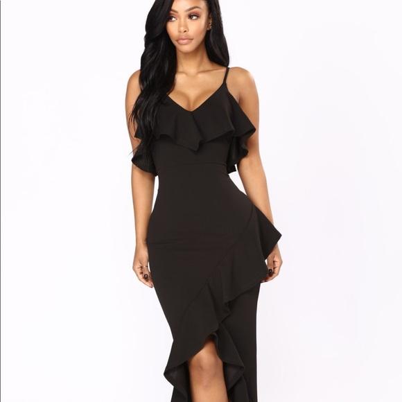 975909ddcd9 Fashion Nova Dresses   Skirts - Fashion Nova Inevitable Maxi Dress